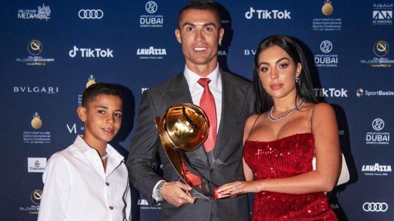 Cristiano Ronaldo'dan yeni yıl mesajı geldi! '2021 dönüm noktası olsun'